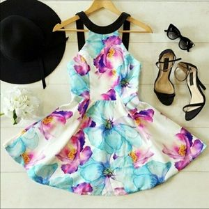 3/$20 🌷 Re-Posh!! Floral Watercolor Mini Dress 🌷